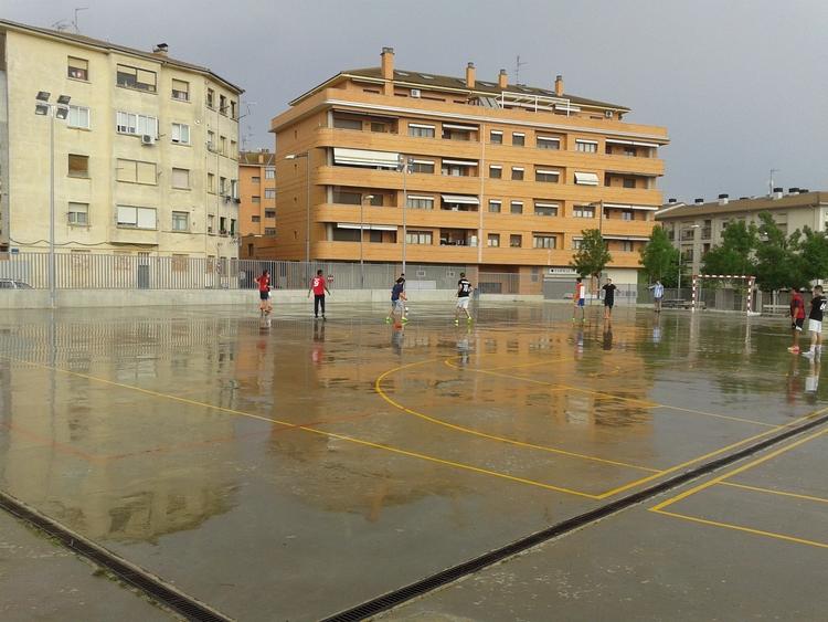 El patio del colegio Pedro I se abre en horario no lectivo con 'Muévete'