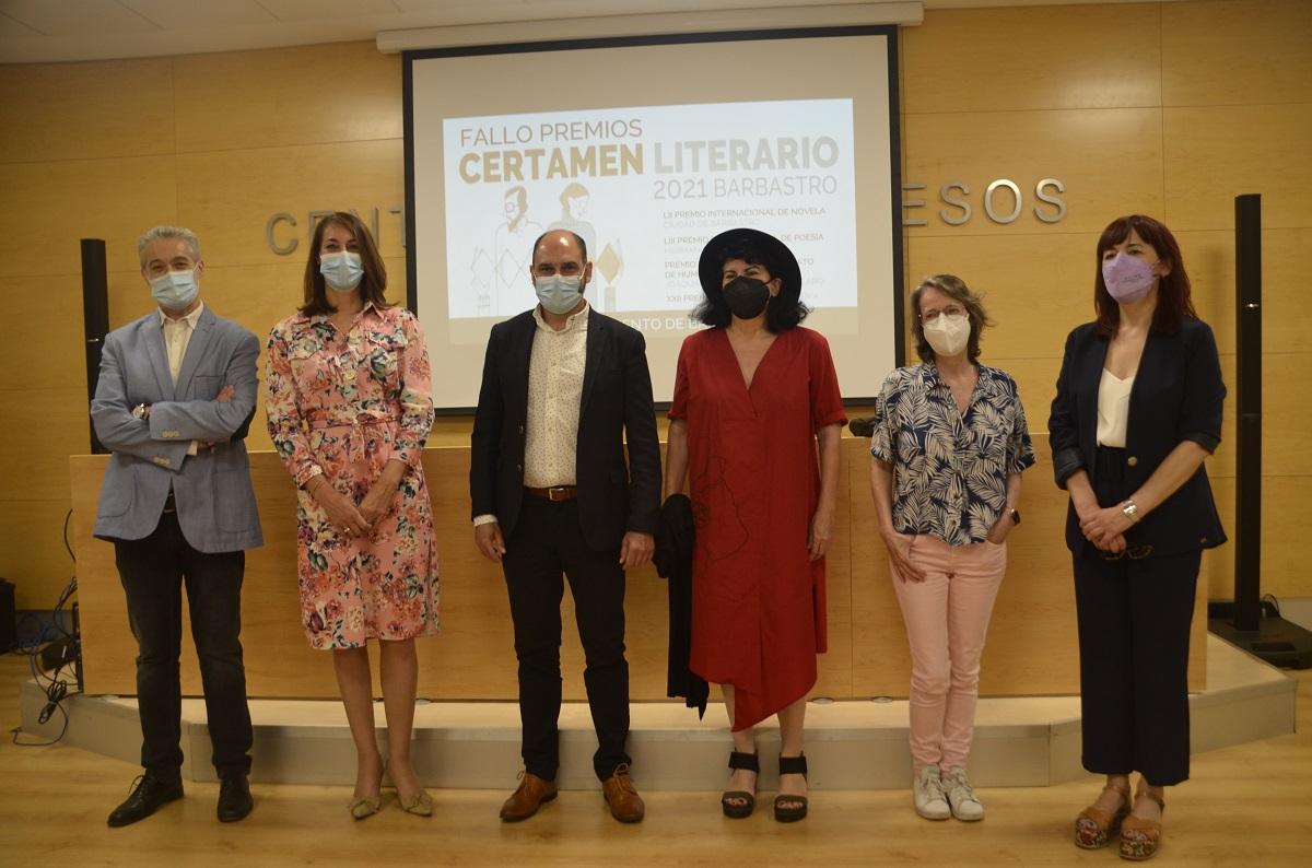 Jorge Carrión, con Museo del siglo XXI, e Ioana Gruia, con La luz que enciende el cuerpo, ganan los Premios Literarios de Barbastro 2021