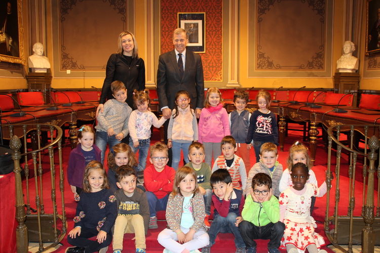 Los alumnos de 2º de Infantil del Pedro I visitan el Ayuntamiento