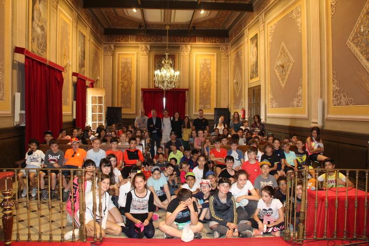 Recepción a alumnos del Pedro I y Saint Gaudens en el Ayuntamiento