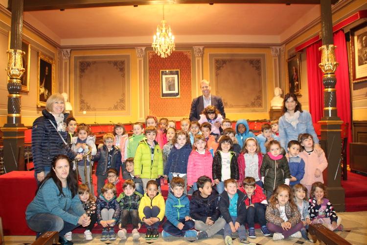 Visita de los alumnos de 2º de Infantil del Pedro I al Ayuntamiento