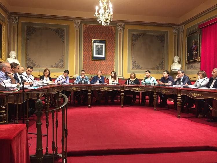 El Pleno aprueba el expediente de  contratación de la gestión de la Residencia