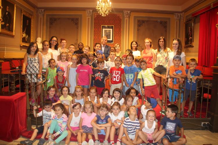 Los niños de la Ludoteca Municipal visitan el Ayuntamiento