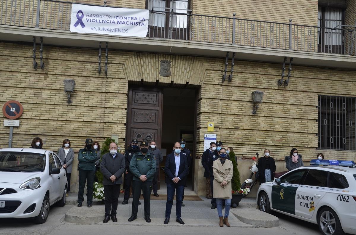 Minuto de silencio por el Día Internacional de la Eliminación de la Violencia contra las Mujeres