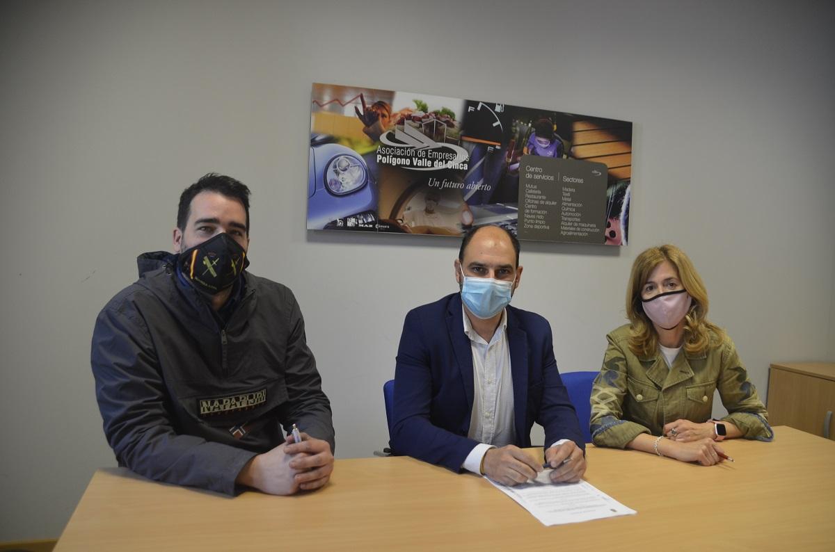 El Ayuntamiento de Barbastro firma un convenio con la Asociación de Empresarios del Polígono Industrial Valle del Cinca