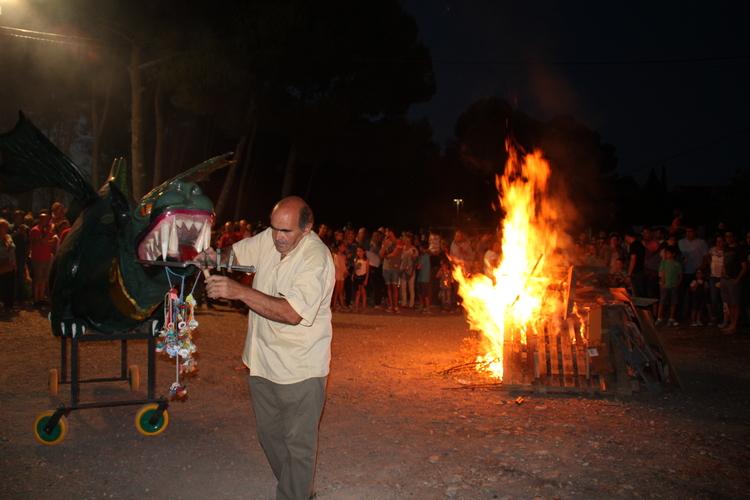 Una decena de hogueras arderán en la víspera de San Ramón