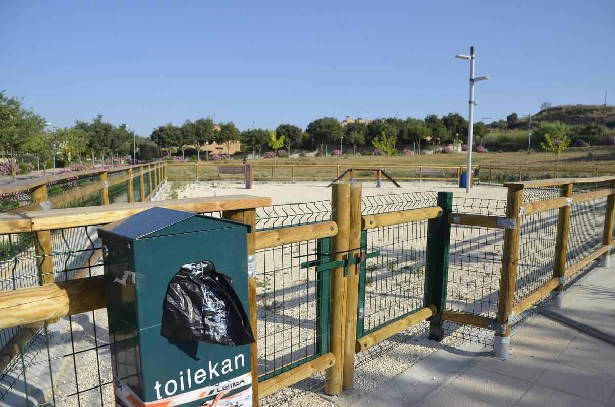 El Ayuntamiento de Barbastro abre una nueva zona de esparcimiento canino el lunes